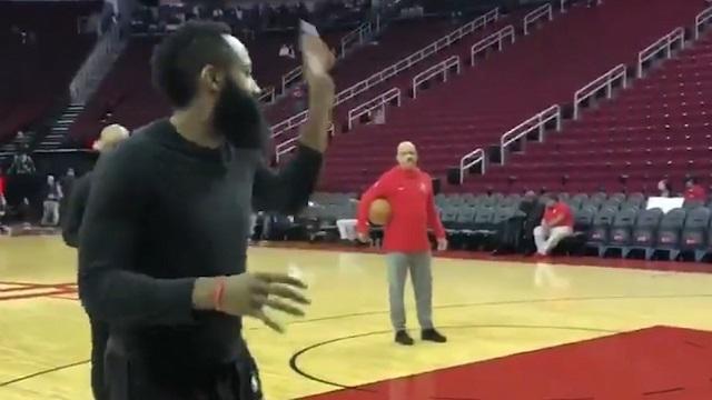 哈登投篮变跳舞,谁来把这胖子拖走?