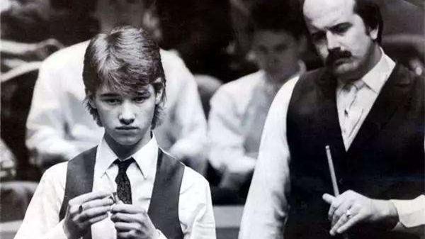 缅怀WT | 击败克堡首秀的未来之星亨德利,富有体育精神的威利·索恩为年轻人献上掌声