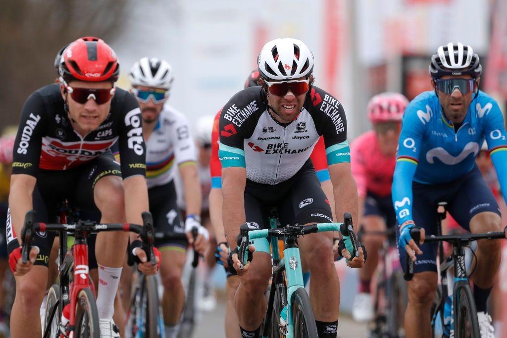 阿姆斯特尔黄金赛像素级对决 范阿尔特毫厘取胜-领骑网