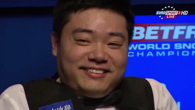 2015斯诺克世锦赛搞笑画面集锦 小晖露出蜜汁微笑