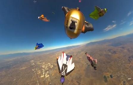 太炸了吧!七个人从飞机上跳下视角超惊艳
