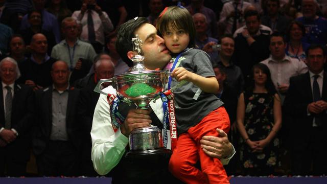 五届世锦赛冠军奥沙利文闪耀克鲁斯堡 距离这一幕已经足足过去了7年