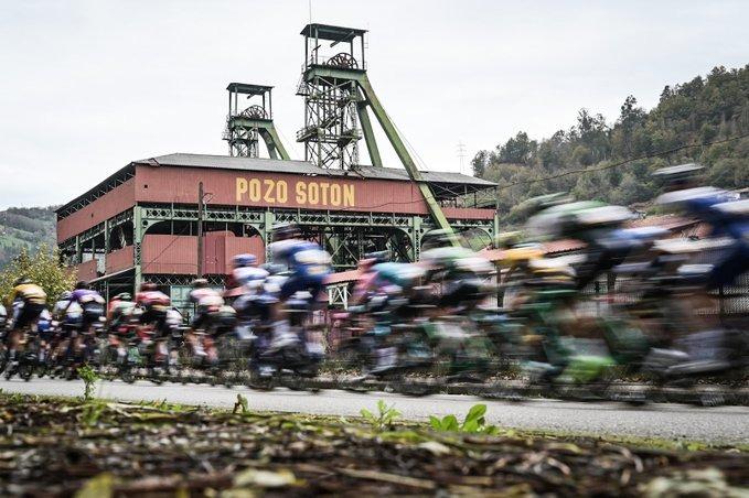 休·卡锡弯道超车陡坡夺冠  卡拉帕斯孤军奋战再穿红衫-领骑网