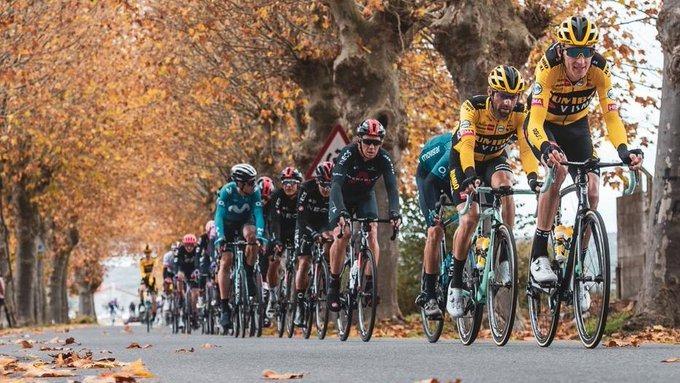 集团乱战偷袭得手 菲利普森强势夺冠-领骑网