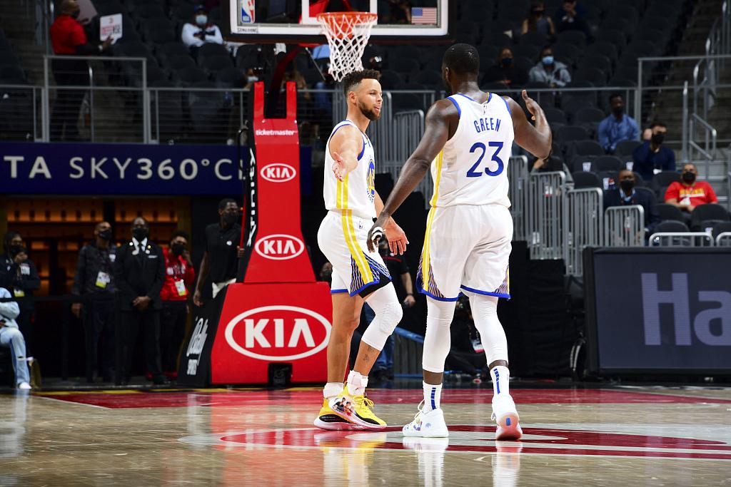 【NBA】综述:伦纳德准三双快船18分大胜湖人;库里空砍37分勇士3连败